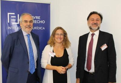 Juan Pujol, Cristina Jiménez Savurido y Mario Alonso Ayala durante la presentación de la obra