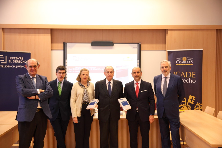 De izq a dcha Ignacio Astarloa, Carlos Vidal, María Isabel Vélez, Íñigo Navarro Mendizabal y Juan Pujol