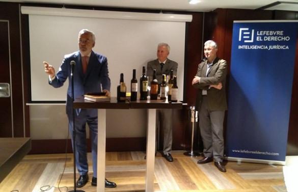 La presentación del Memento Vino se convierte en una excelente ocasión para maridar libros con vino