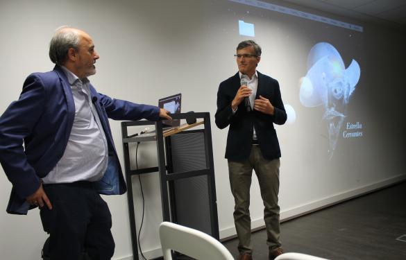 Javier Gorgas acerca la realidad de los agujeros negros a los empleados de Lefebvre